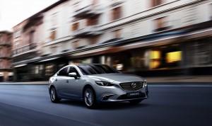 Mazda6 2015_driving