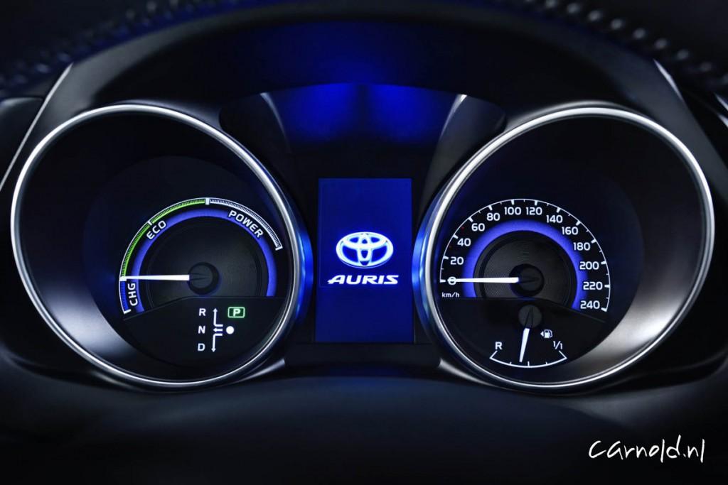 Toyota_Auris_2