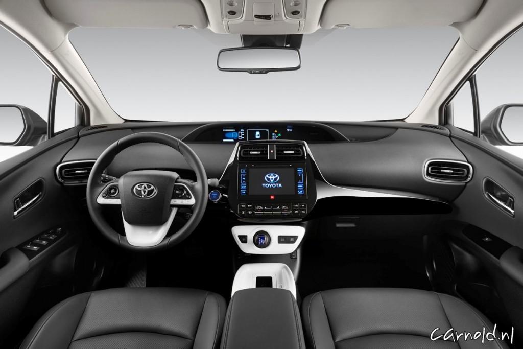 Toyota_Prius_2015_2