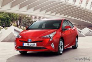 Toyota_Prius_2015_7