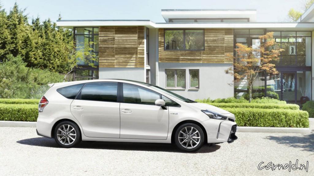 Toyota_Prius+_2