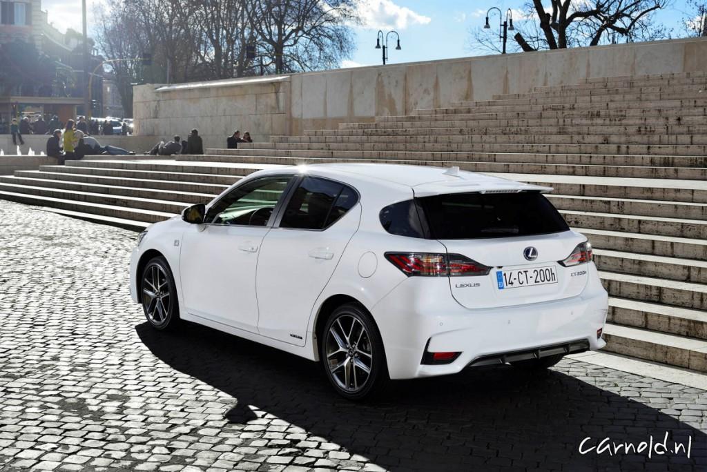 Lexus_CT200h_10