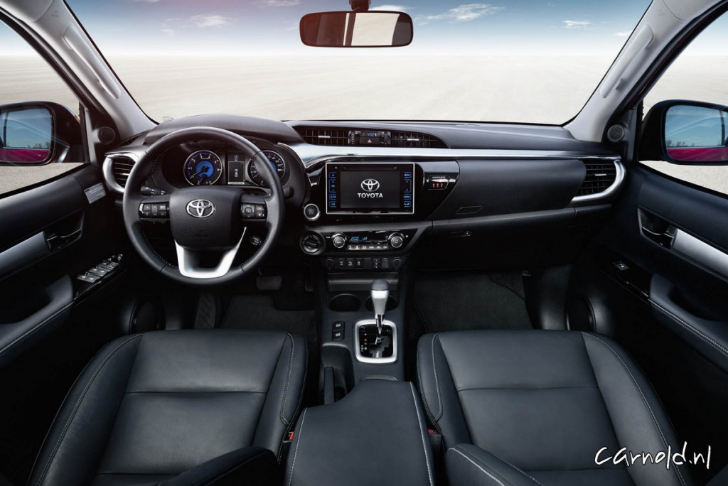 Toyota_Hilux_2016_interior