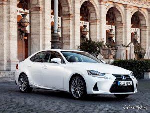Lexus_IS300h_12